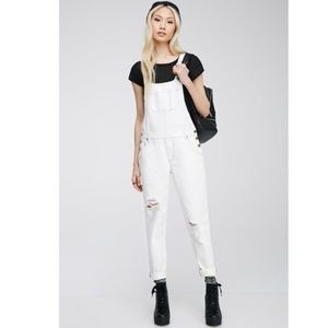 XXI White distressed denim overall pants J15